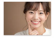 歯のきれいな笑顔のステキな女性